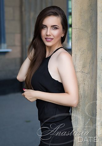 Date the woman of your dreams: Russian single Oksana from Kiev